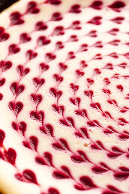 white-chocolate-raspberry-cheesecake2-426x640